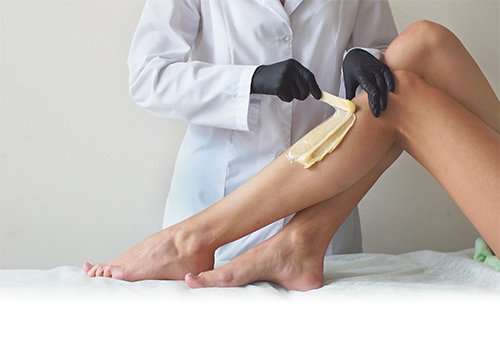 Ceretta, uno dei metodi di epilazione che può provocare la follicolite